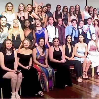 2015-grad-group-400x400